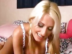 Blonde bombshell toying her fur pie on webcam